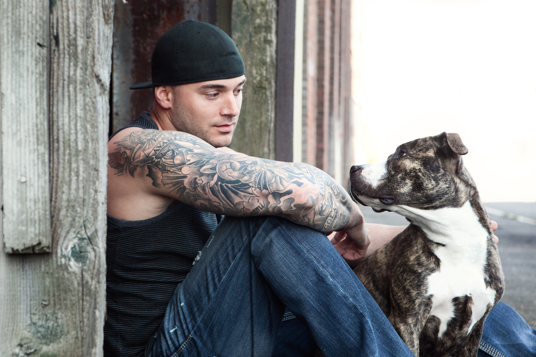 Dogs_with_tattooed_owners_21