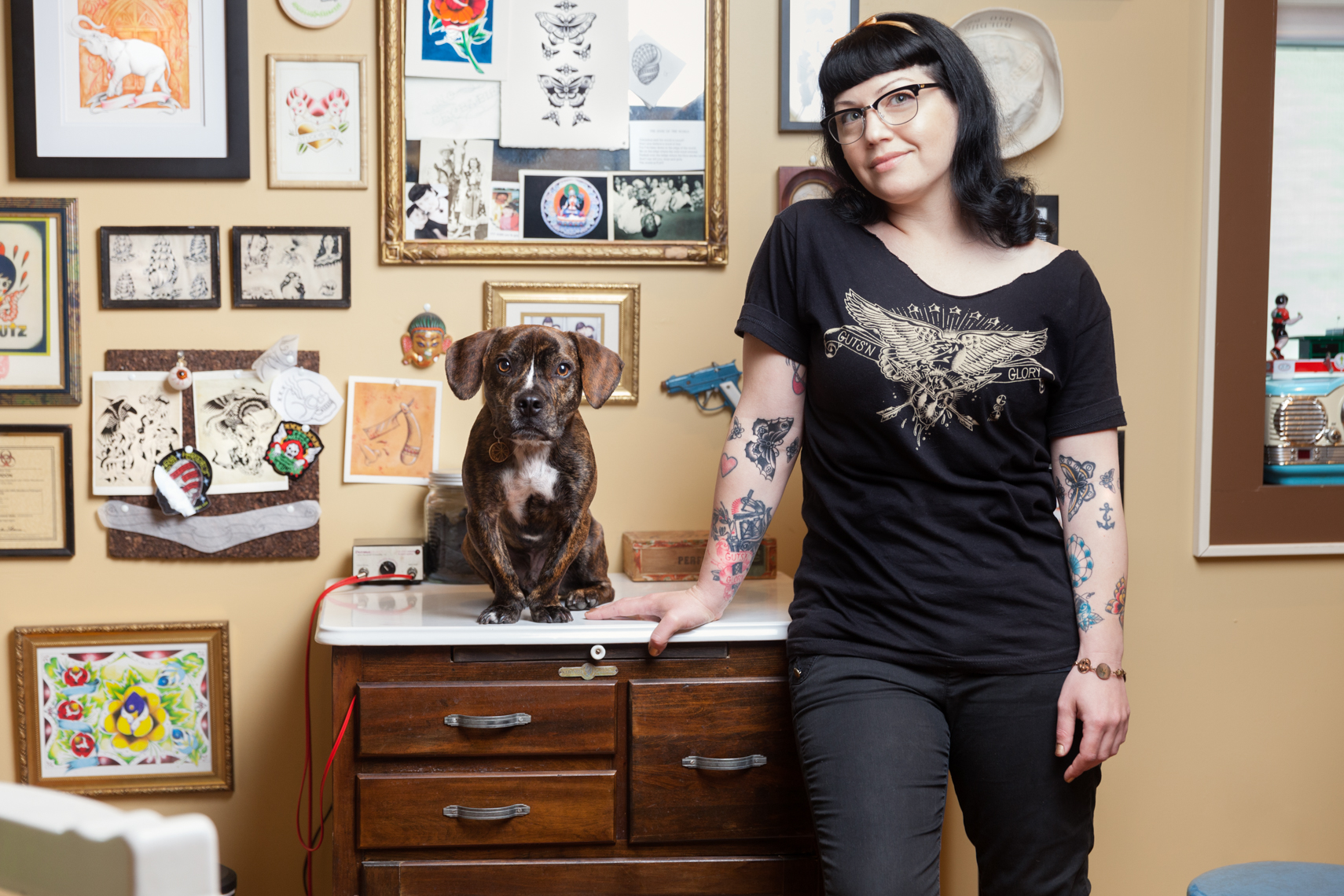 Dogs_with_tattooed_owners_26
