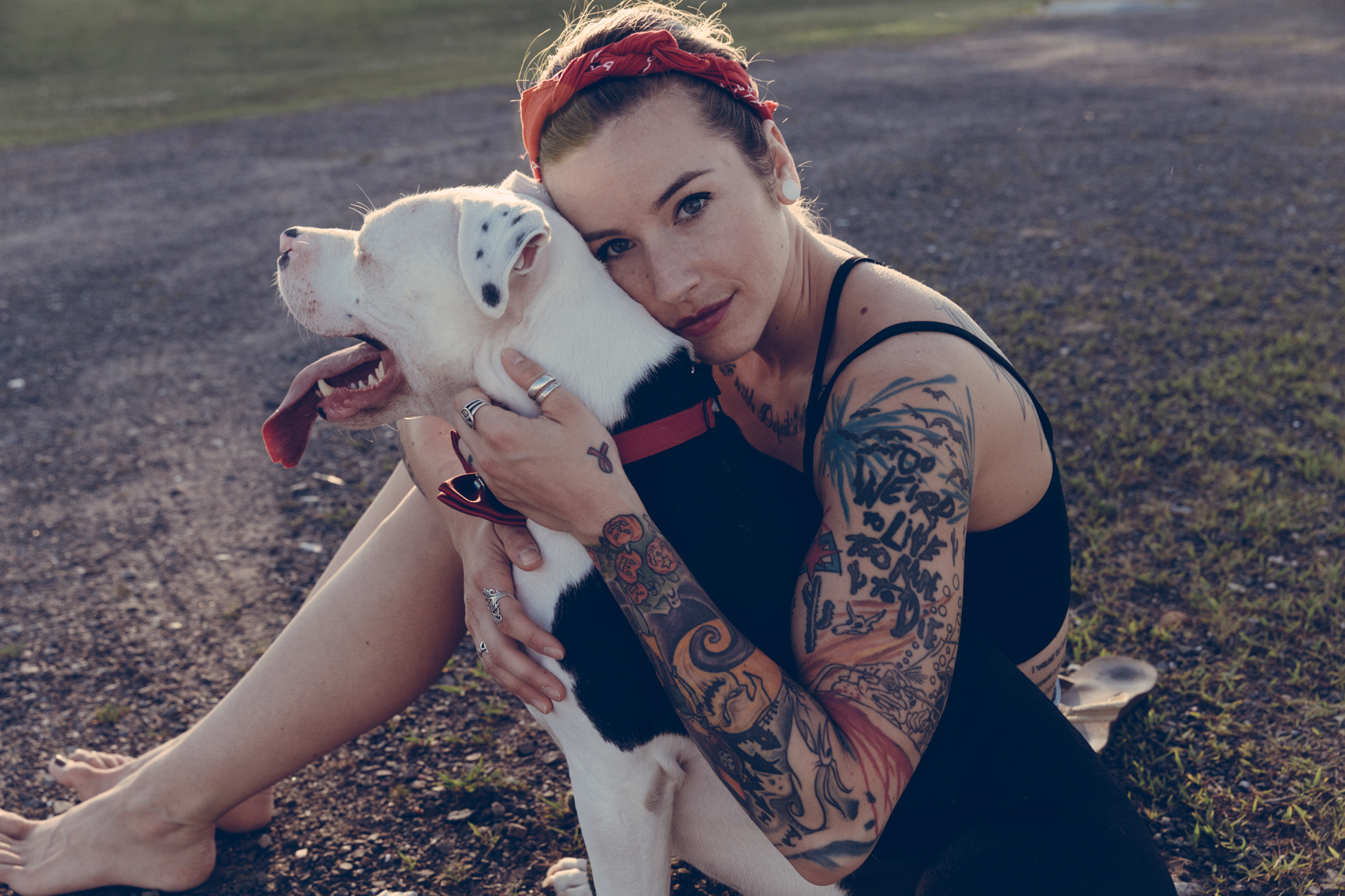 Dogs_with_tattooed_owners_53